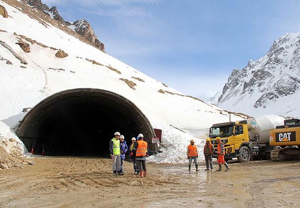Rize Erzurum Yolu Ulaşıma Kapandı