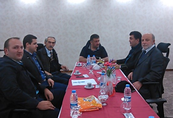 rapor-hazırlanması-sürecinde-çalışma-komsyonu-üyeleri-Millet-vekili-Hasan-Karalla-Birlikte-çalışırken